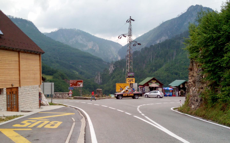 Raskrsnica za Pljevlja kod mosta na Tari
