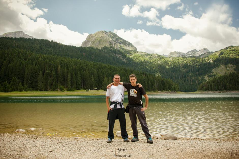 Marko i Puzo ispred Crnog Jezera