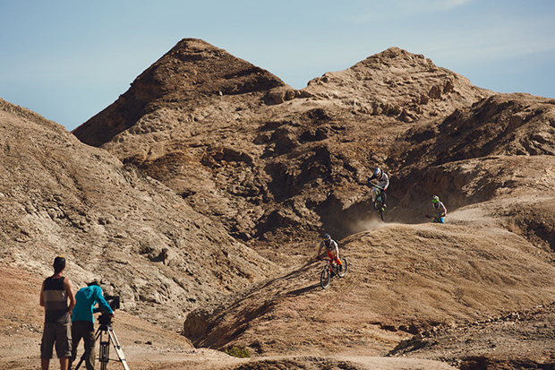 into-the-dirt-kyle-jameson-andi-and-michi-tillmann-on-the-moondlandscape-gnab