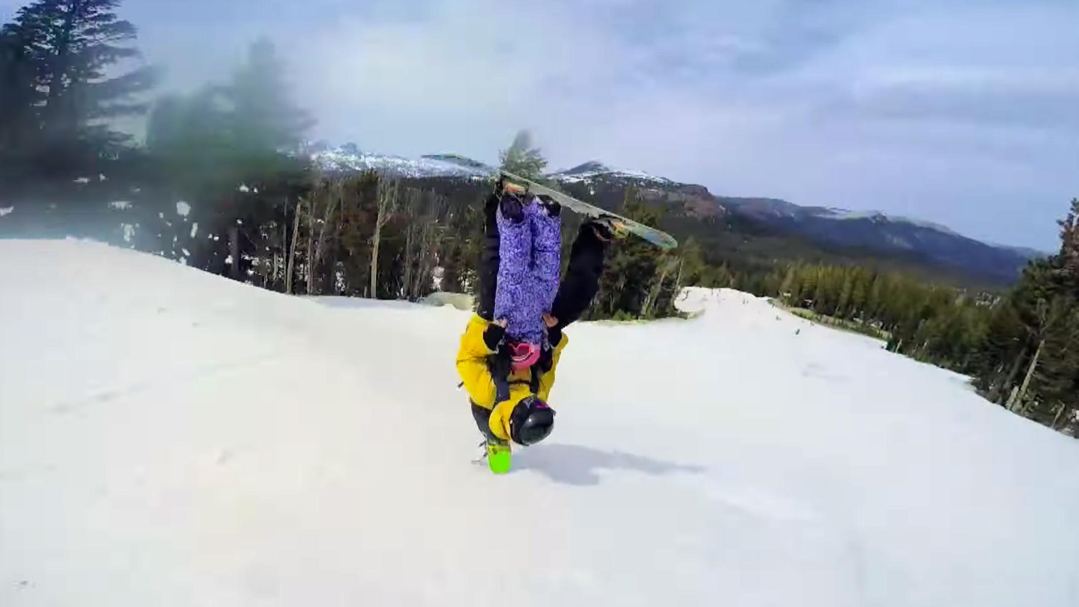 Tandem-Snowboarding-Friends