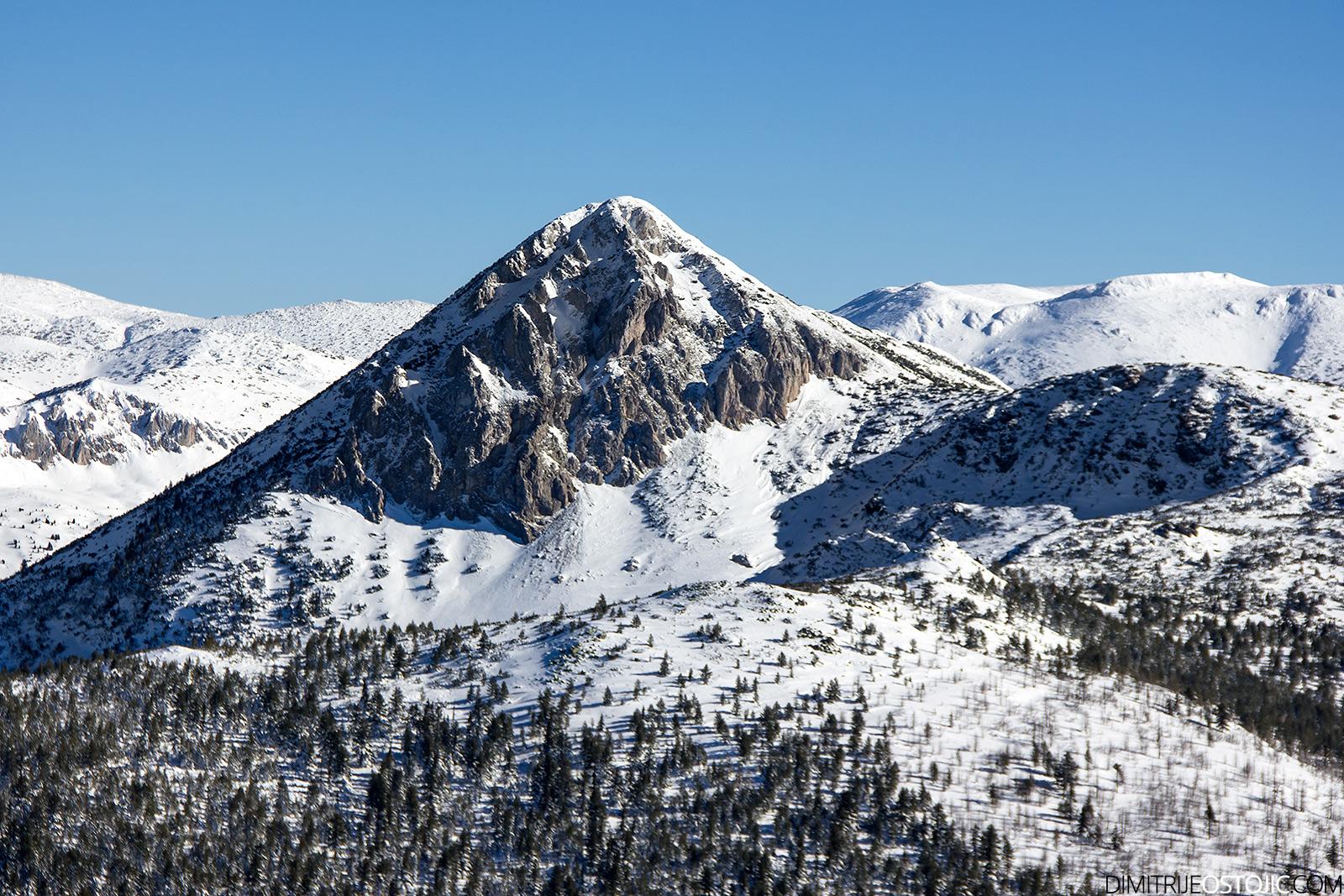 Pogled na vrh Ahmica 2272 m.