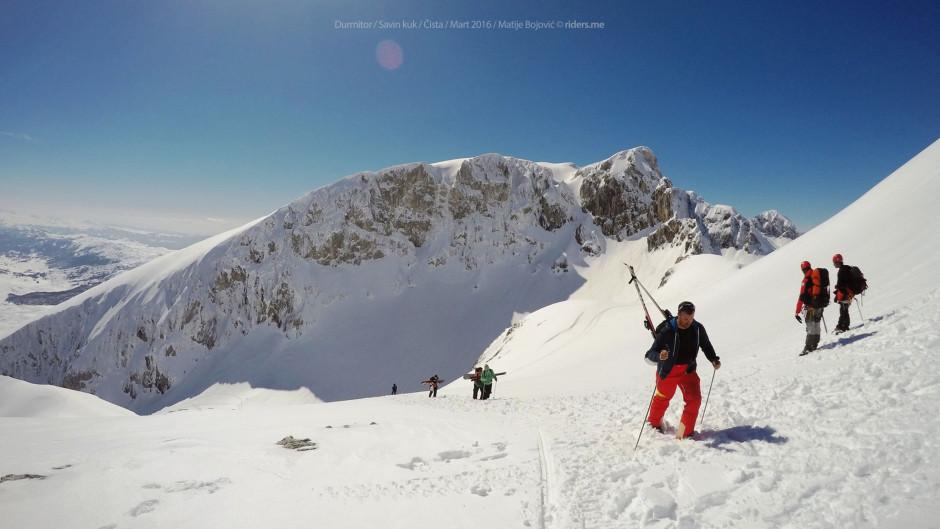 Naprijed na vrh Kuline (u pozadini Šljeme)