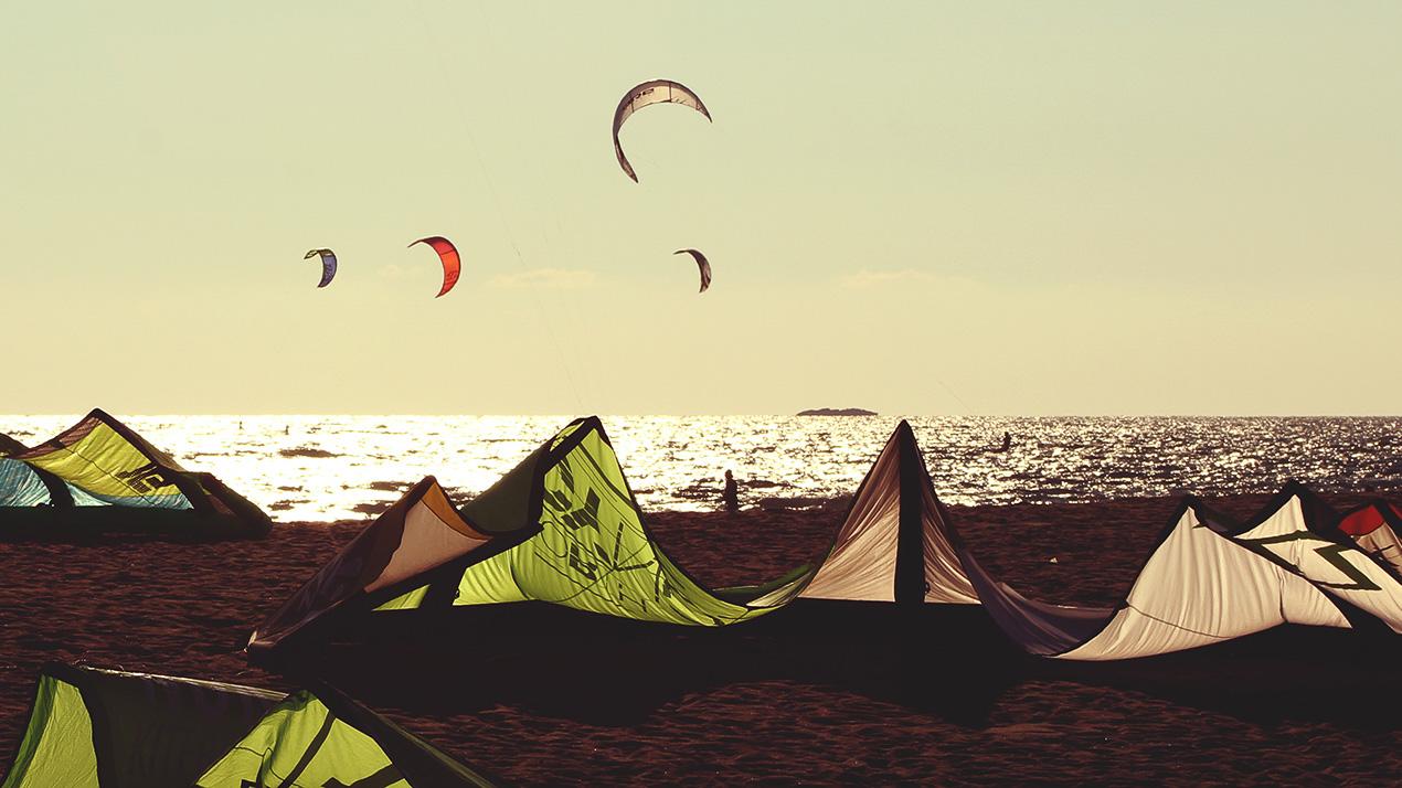 Vjetar, muzika, more i kajt